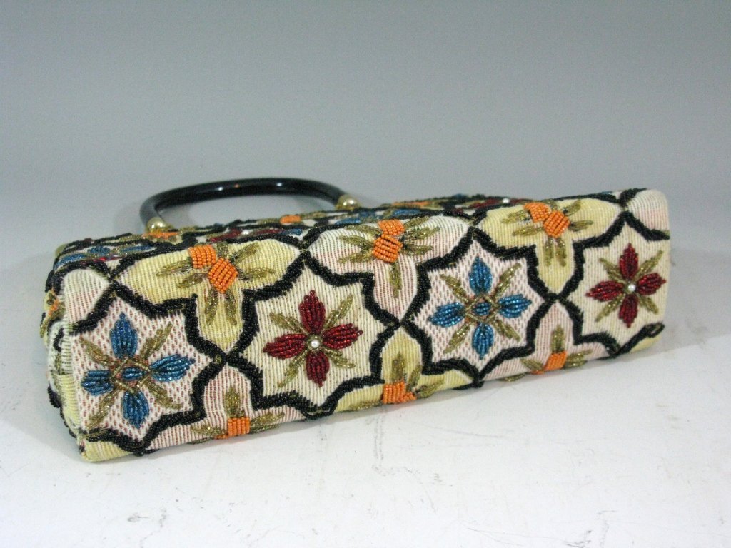 VINTAGE GLASS BEADED HAND BAG c. 1940 - 1950 - 5