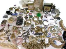 DEALERS LOT NAMED VINTAGE COSTUME JEWELRY  925