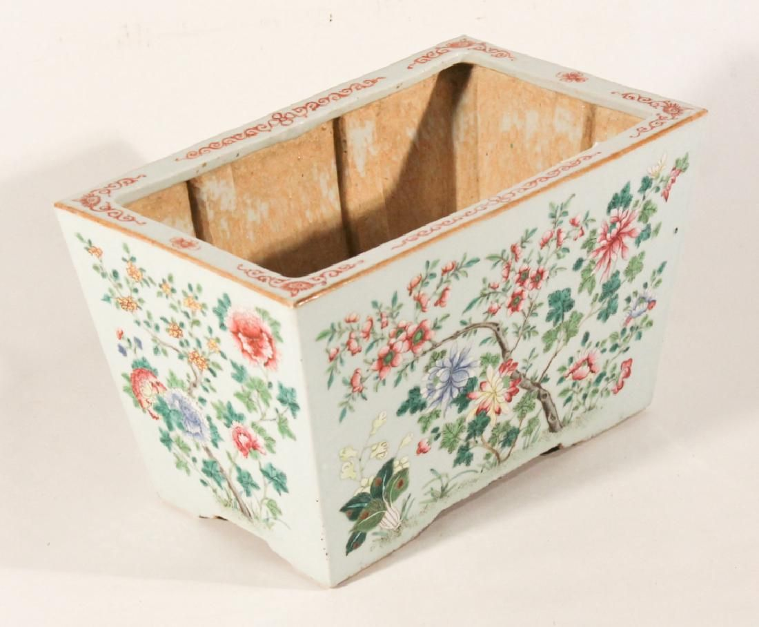 Fine Antique Chinese Famille Rose PorcelainPlanter