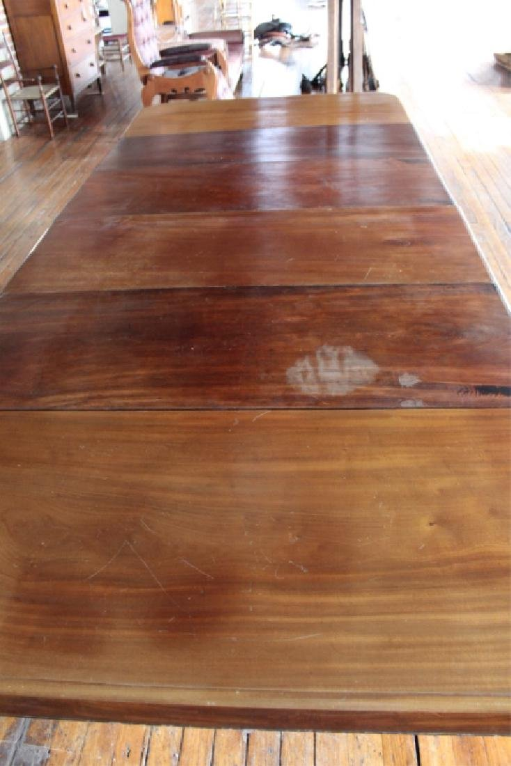 Very Fine Large Neoclassical Mahogany Dining Table - 10