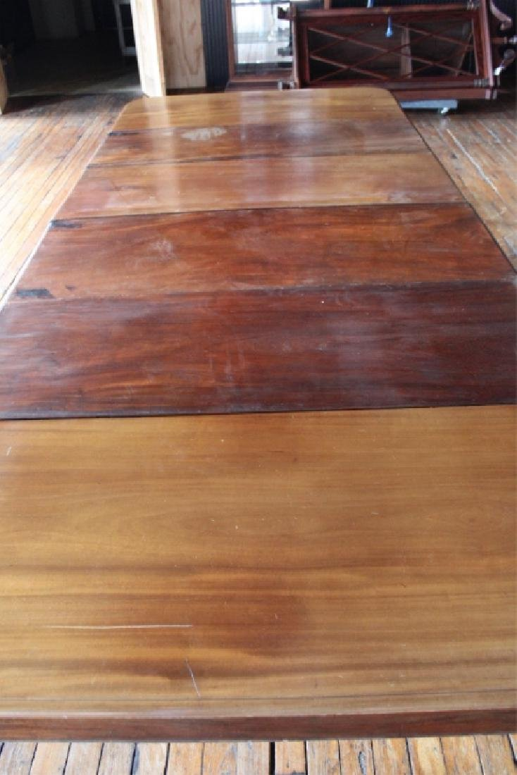 Very Fine Large Neoclassical Mahogany Dining Table - 9