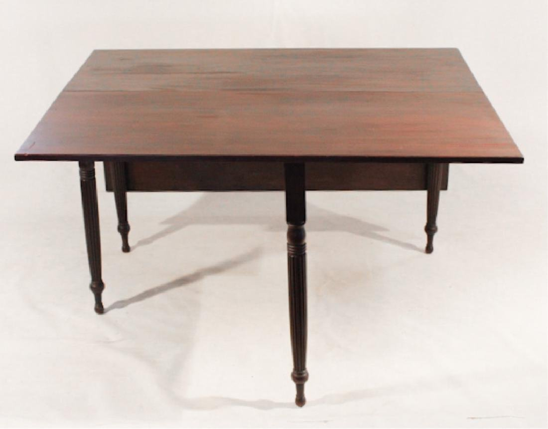 Handsome Federal Mahogany Drop Leaf Dining Table - 3