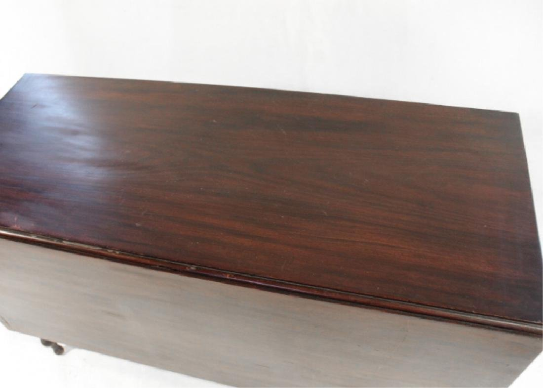 Handsome Federal Mahogany Drop Leaf Dining Table - 4