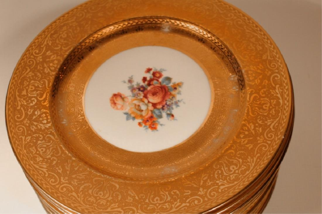 Twelve 22 Kt Gilt Royal Bavarian Dinner Plates - 3