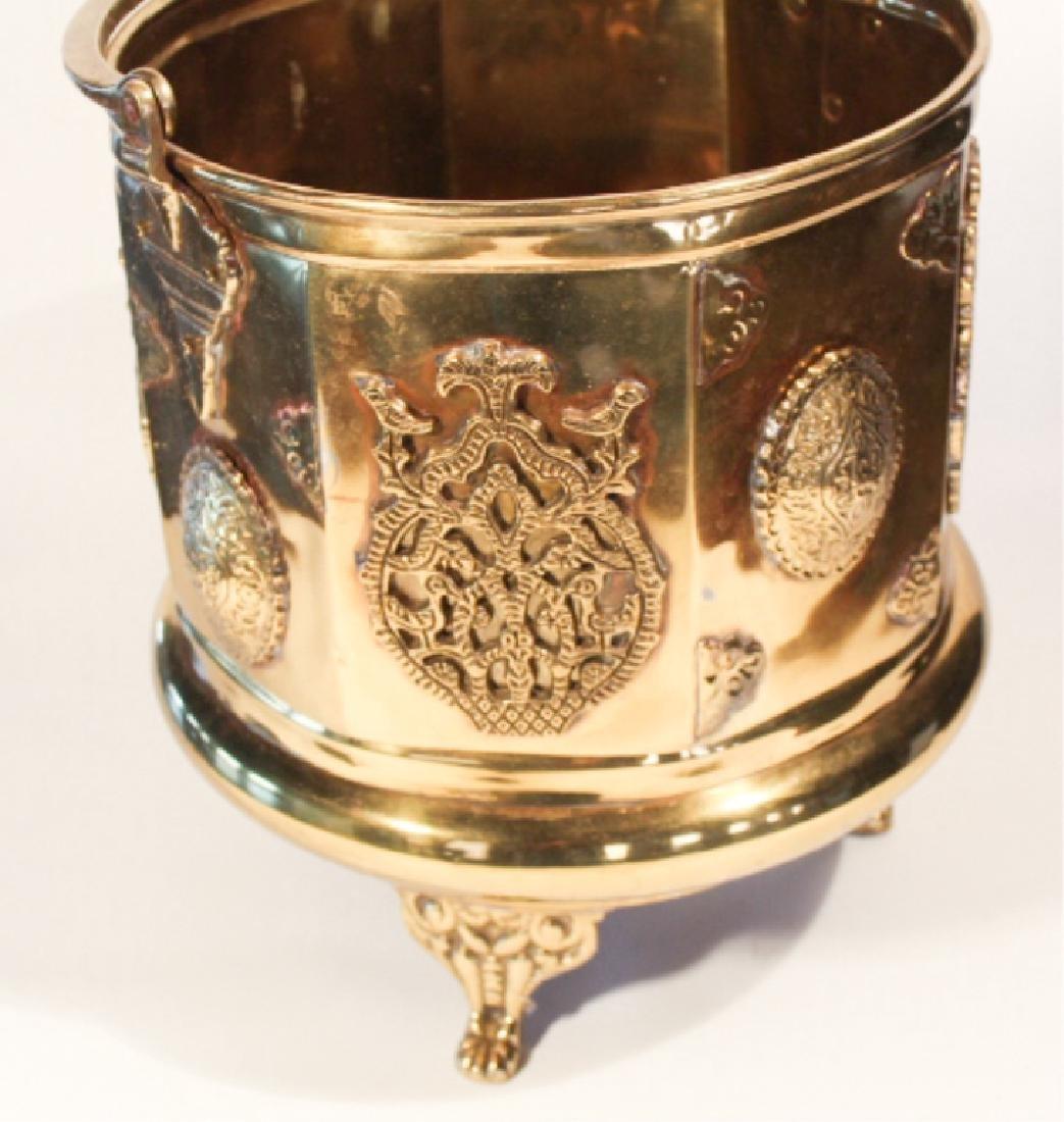 Handsome Antique British Brass Fire or Ash Bucket - 2