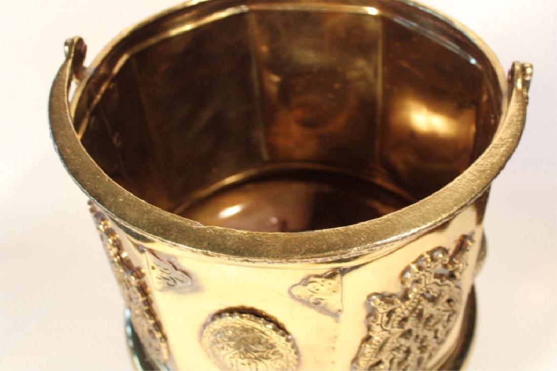 Handsome Antique British Brass Fire or Ash Bucket - 3