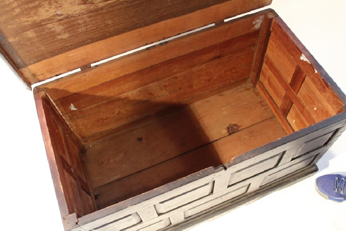 Southern Country Federal Poplar Blanket Chest - 2
