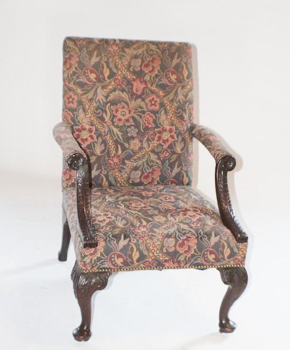 Fine Chippendale Style Carved Mahogany Easy Chair