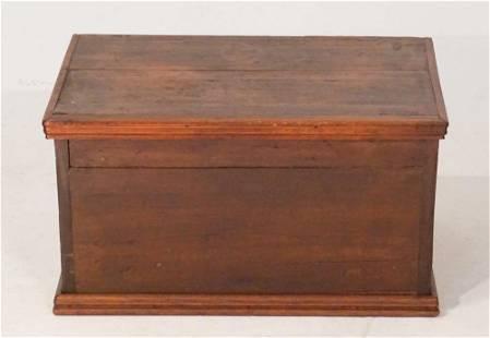 Country Hepplewhite Mixed Wood Blanket Box
