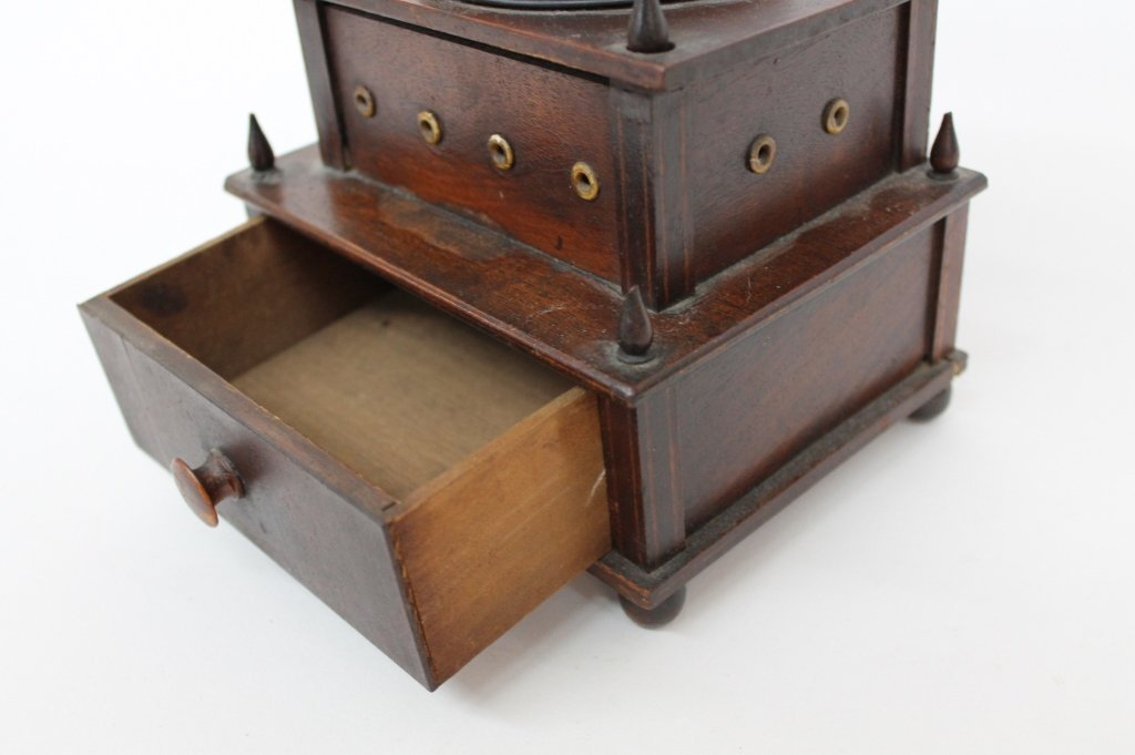 Fine Federal Inlaid Mahogany Sewing Box - 4