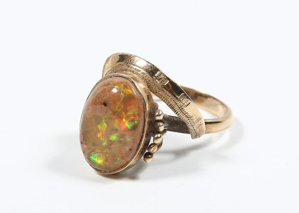 Ladies Vintage Gold & Opal Ring