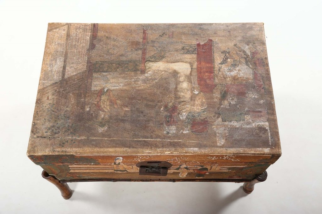Antique Chinese Export Painted Pig Skin Trunk - 2