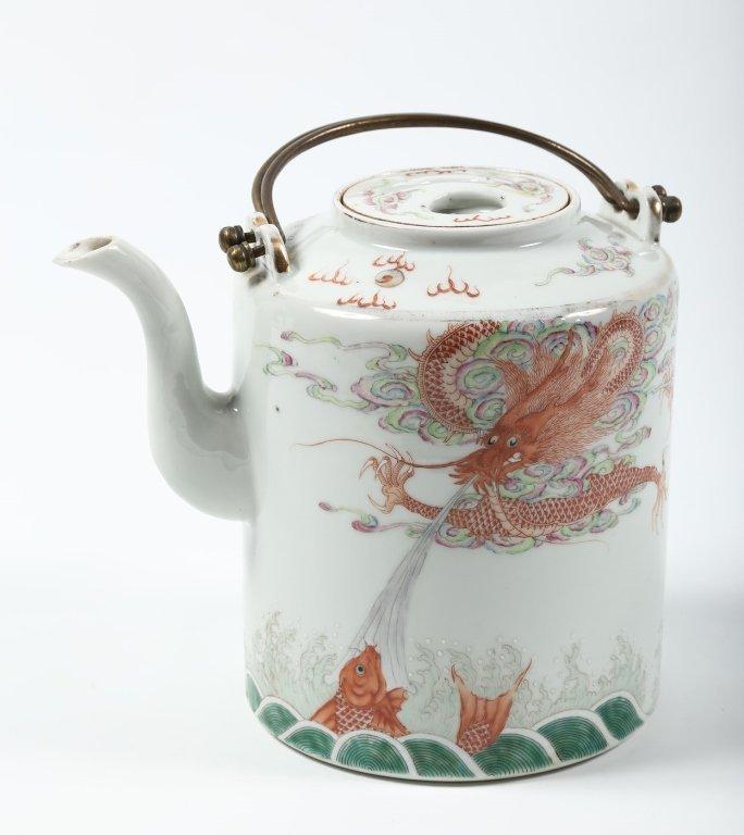 Fine Antique Chinese Porcelain Tea Pot