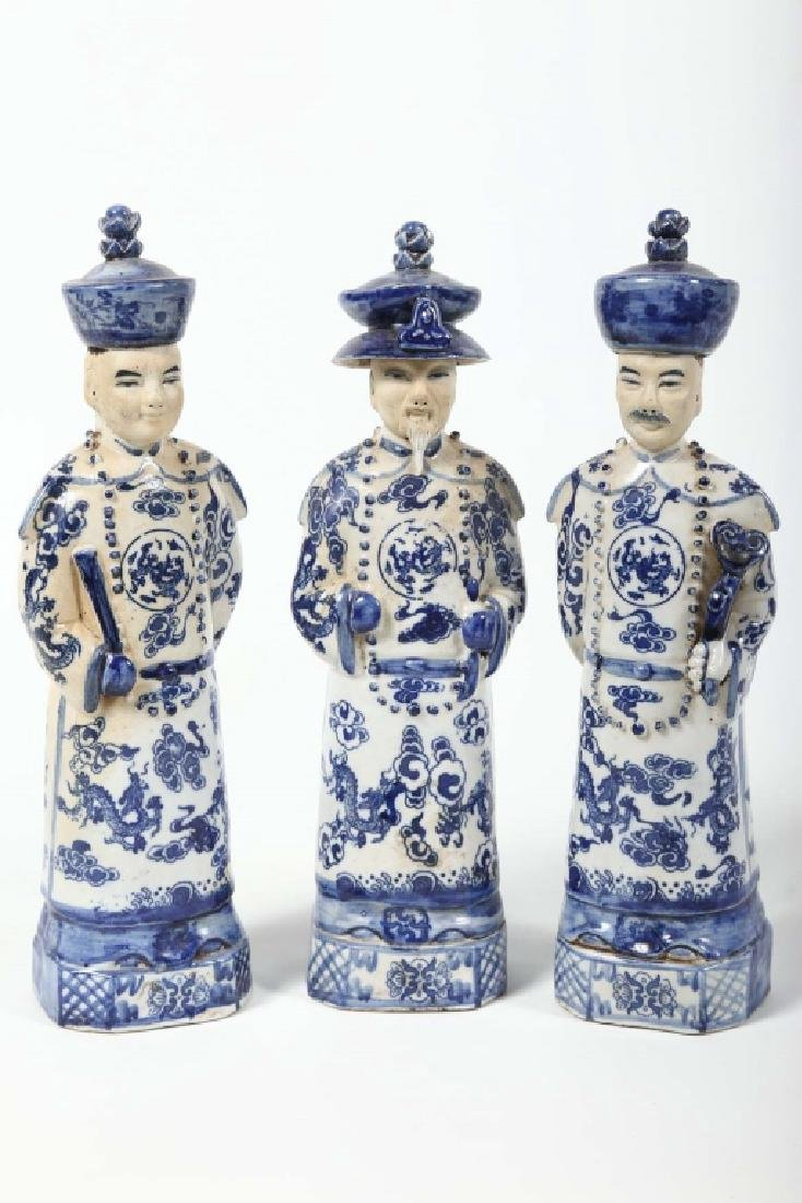 Antique Chinese Figural Porcelain Group