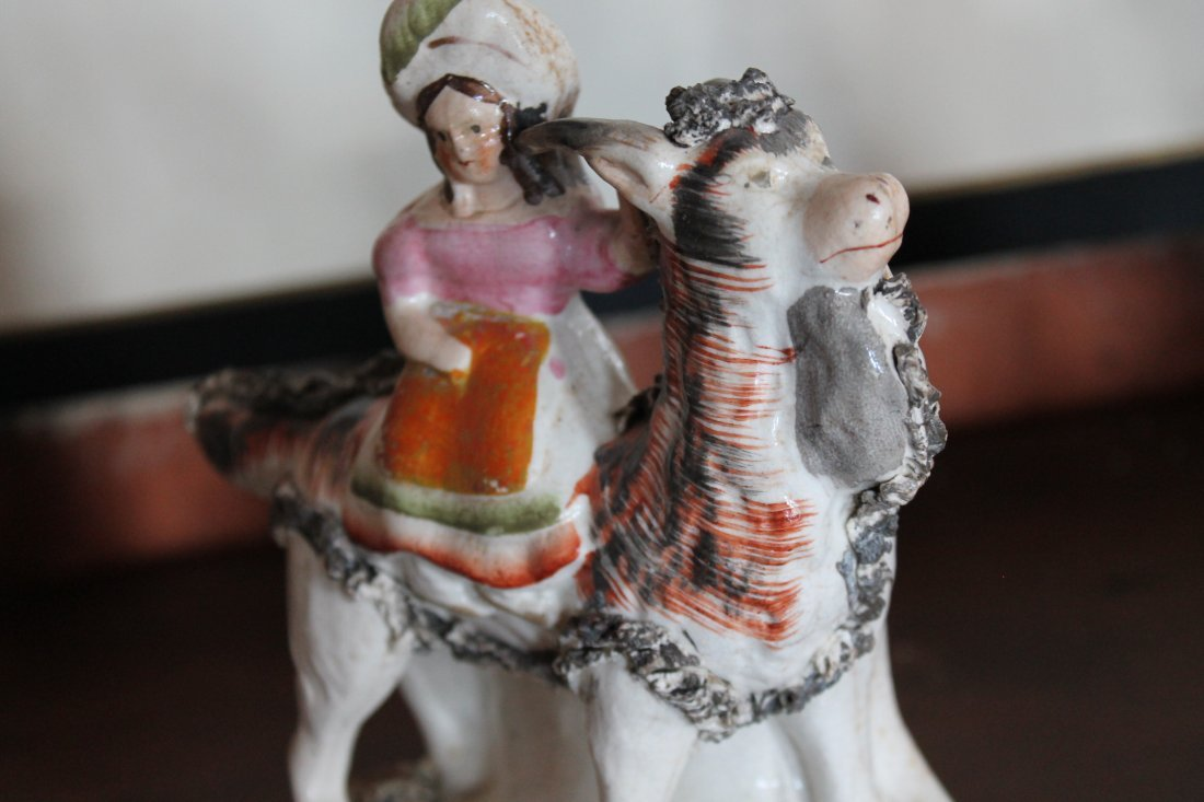 Collection Staffordshire Pottery Figures - 10