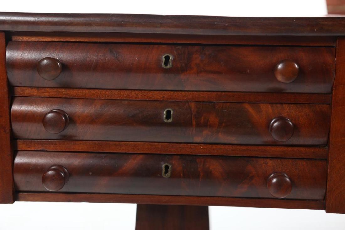Classical Mahogany Drop Leaf Side Table - 3