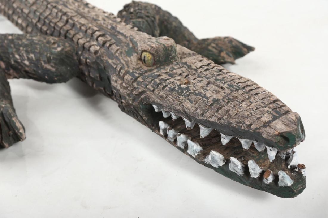 Vintage Life Size Folk Art Carved Alligator Figure - 3