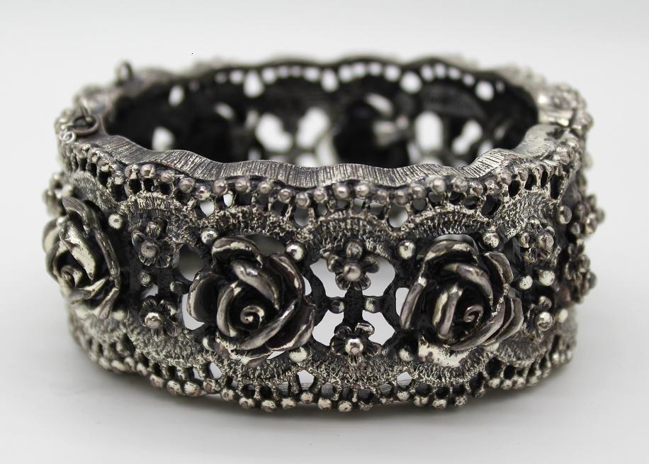 5: VintageTortolani Rose Pattern Clamper Bracelet