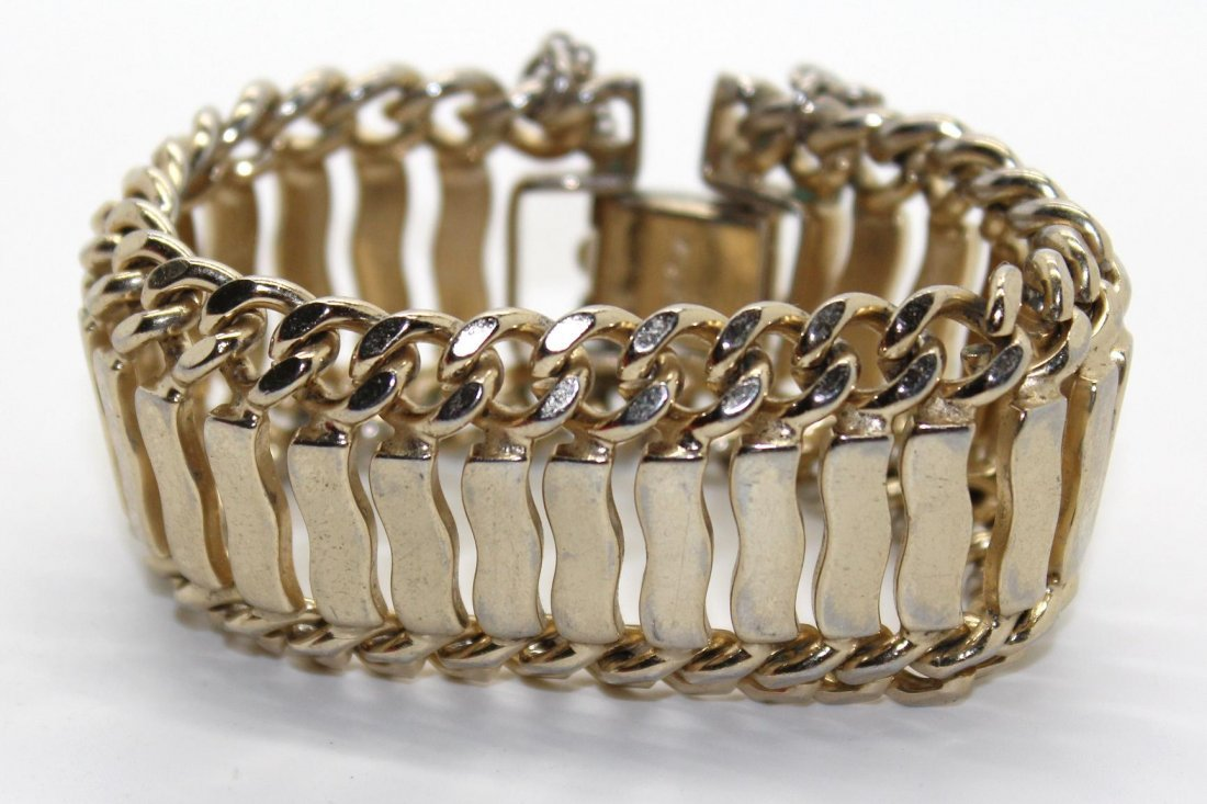 19: Vintage Monet Chunky Gold Tone Bracelet