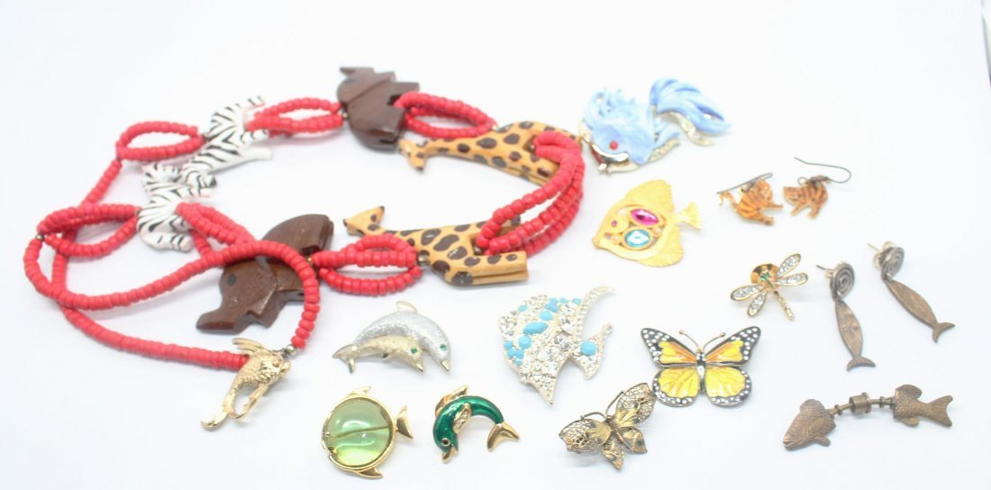 Group of Vintage Animal Pins & Necklace - Signed AK