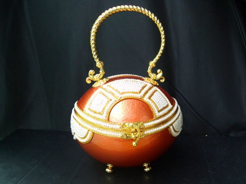 39: Handcrafted Ostrich Egg Fashion Evening Purse
