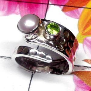 Natural AAA Pearl with Peridot Handcrafted Designer 925