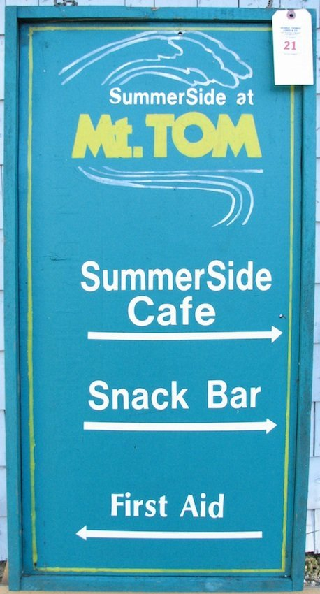 Mt. Tom Hanging Double-Sided Summerside Directions Sign