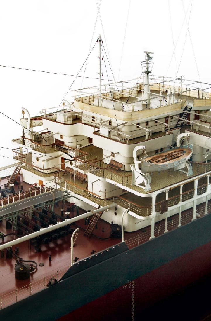 A DETAILED STATIC DISPLAY MODEL OF THE S.S. BRITISH - 2