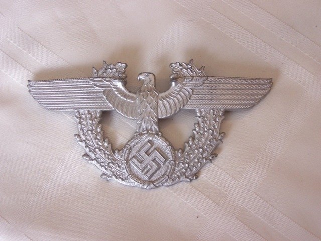 82: WW11 Nazi Police Hat Badge