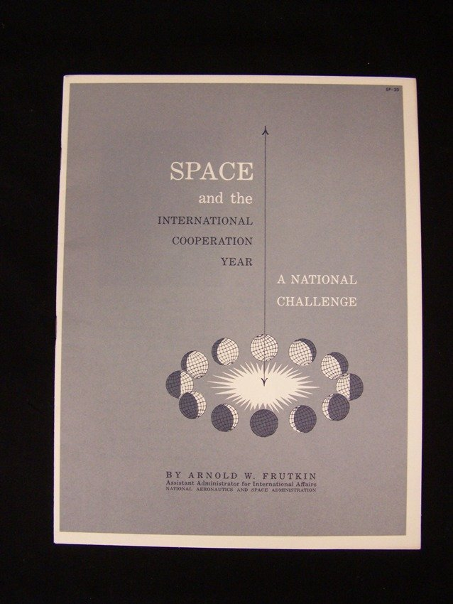 1965 Space and the International Cooperation Year EP-30