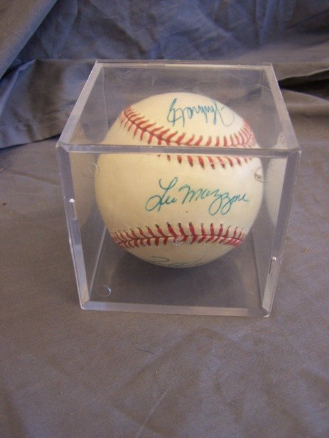 Atlanta Braves Tom Glavine Plus Signed Ball 2000 All