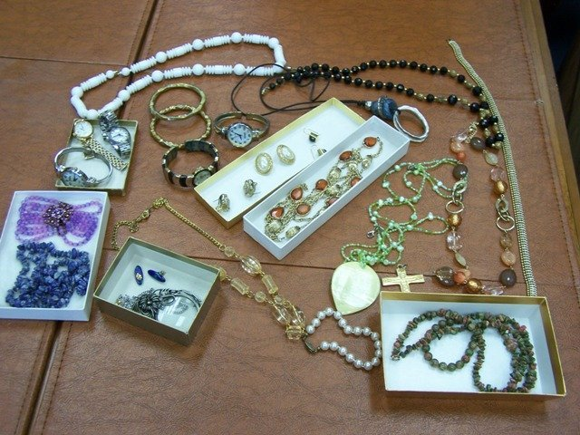 Lot of Estate Costume Jewelry