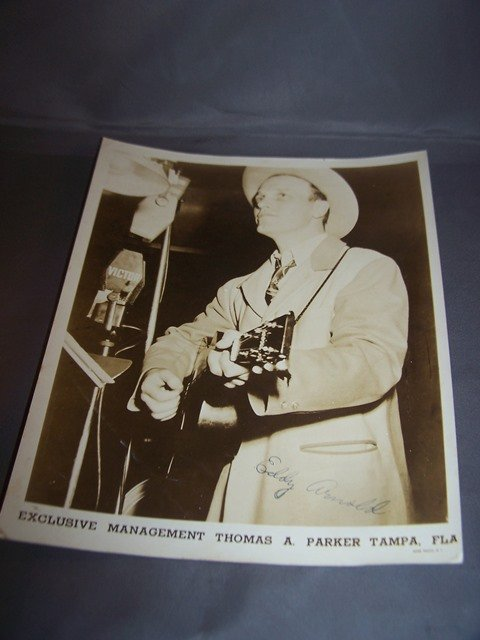 Photo Signed by Eddy Arnold Singer Autographs American