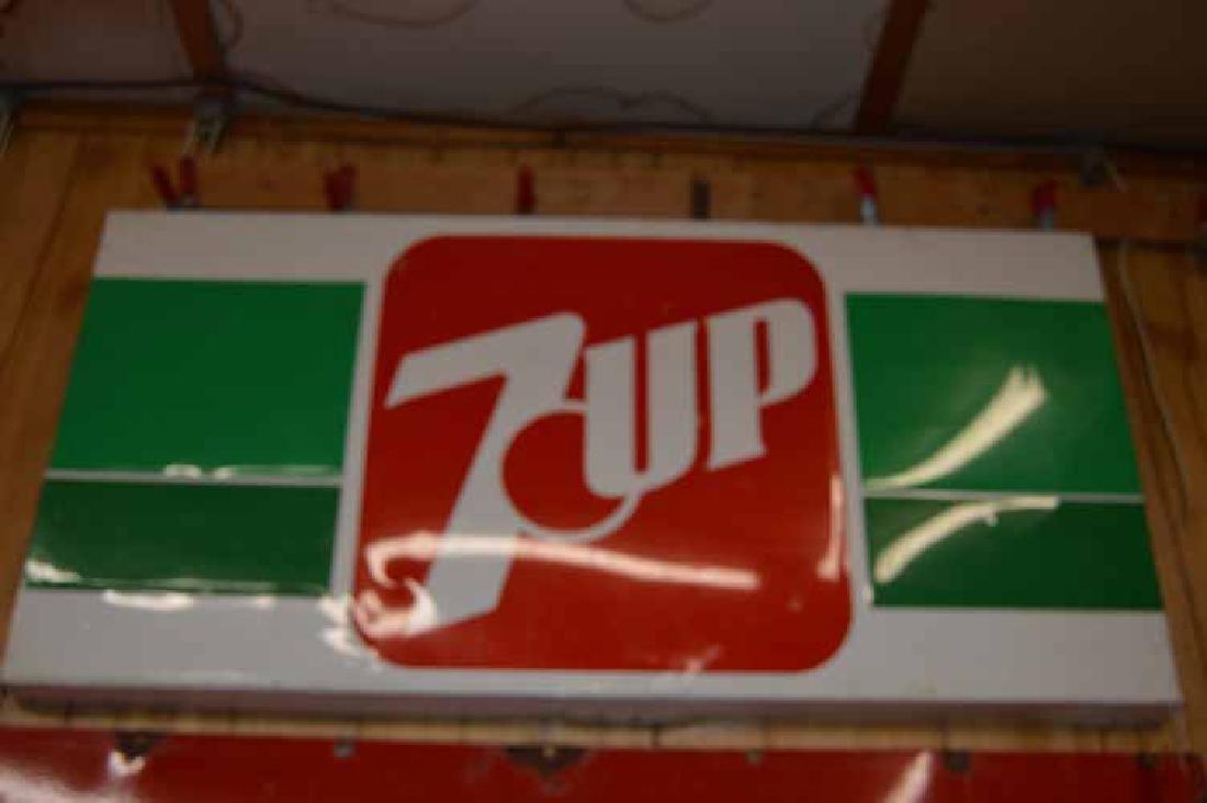 Tin 7 Up Sign