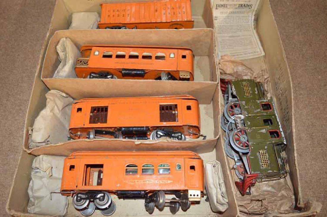 Lionel Standard Gauge 5 Piece Train Set No. 352T - 2