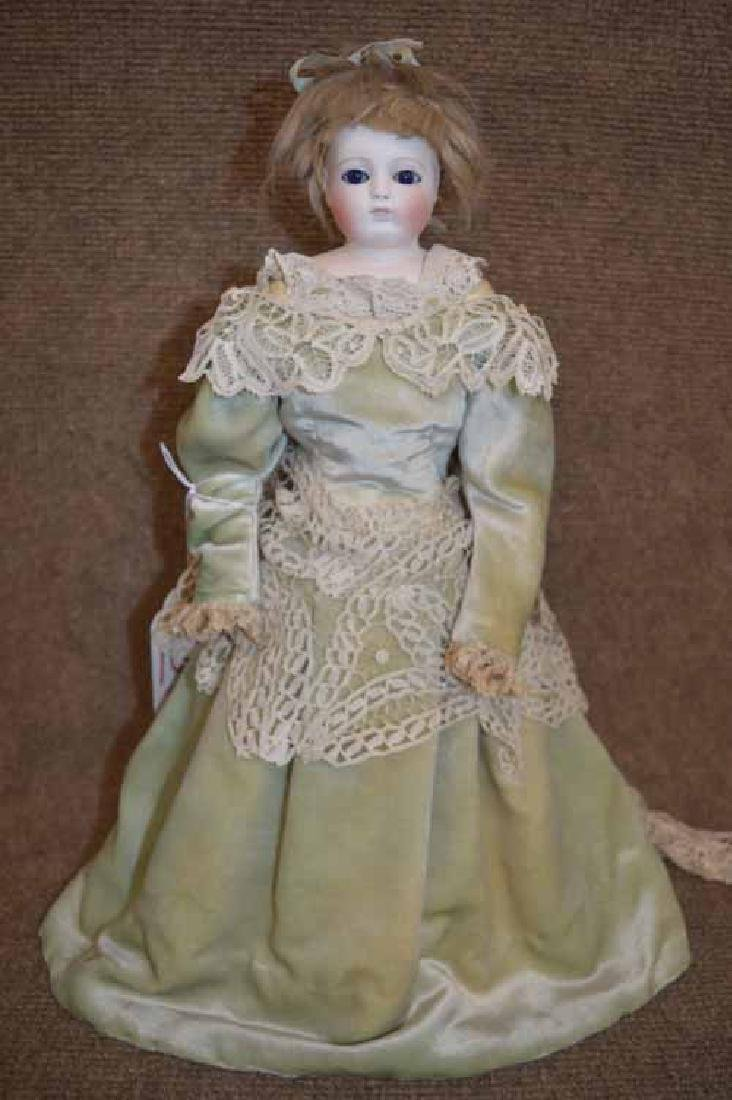 "15"" Unmarked French  Fashion Shoulder Plate Doll"