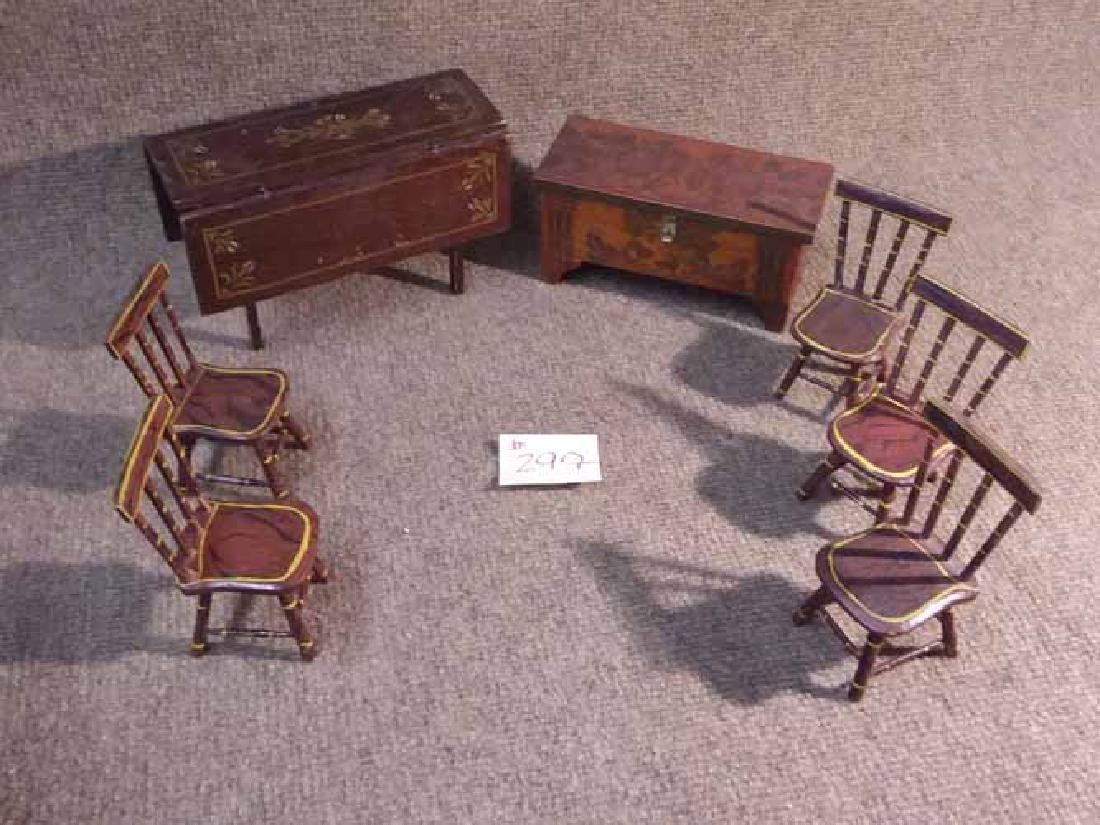 ANTIQUE & VINTAGE DOLL FURNITURE