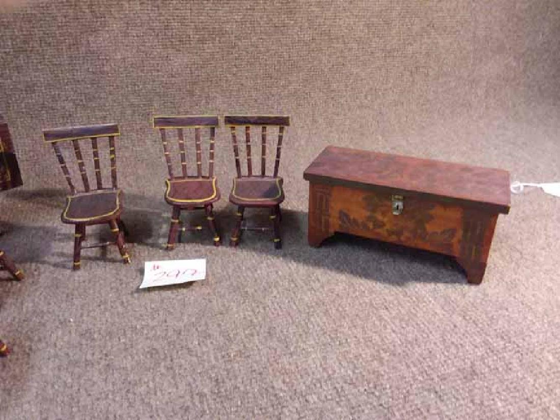ANTIQUE & VINTAGE DOLL FURNITURE - 3