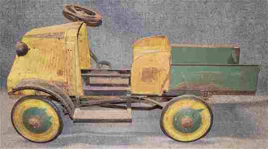 MACK PEDAL CAR