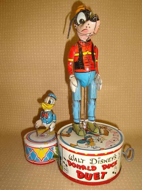 256: Walt Disney Donald Duck & Goofy Duet