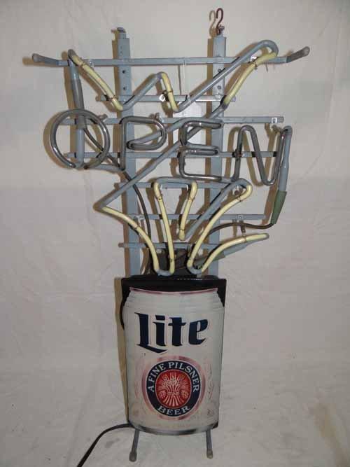 Light Pilsner Beer Sign