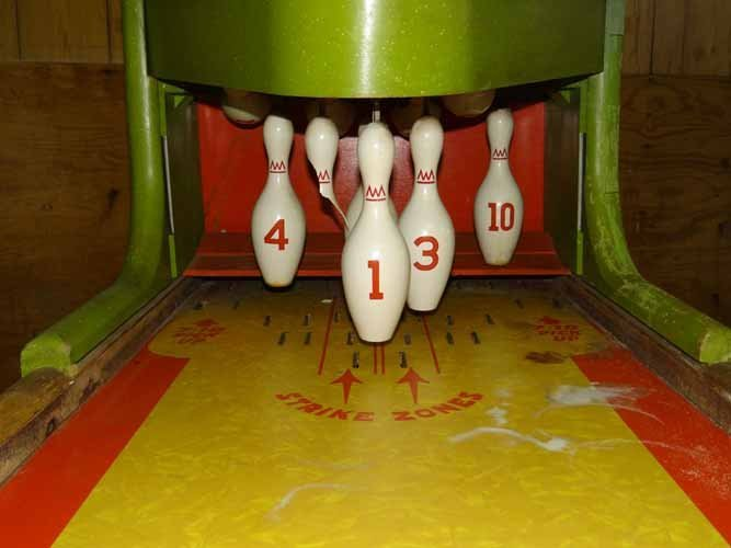 United Imperial Shuffle Alley bowling Game - 6