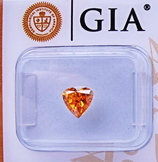 Fancy Orange Diamond 0.72 ct - GIA