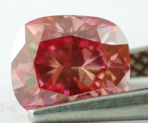 Fancy Red Diamond VS1- GIA