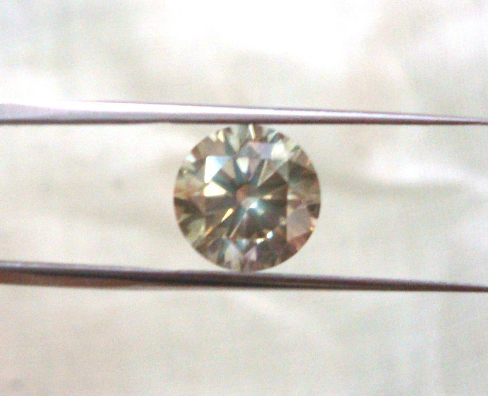 Diamond Greenish Champagne 3.09 CT - VS2