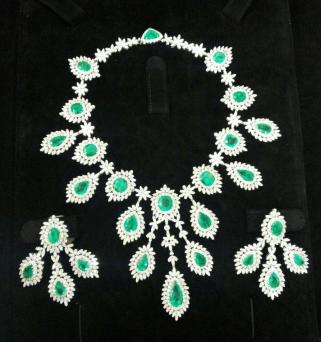 Diamond 32 ct & Columbian Emerald 70 ct Gold Necklace