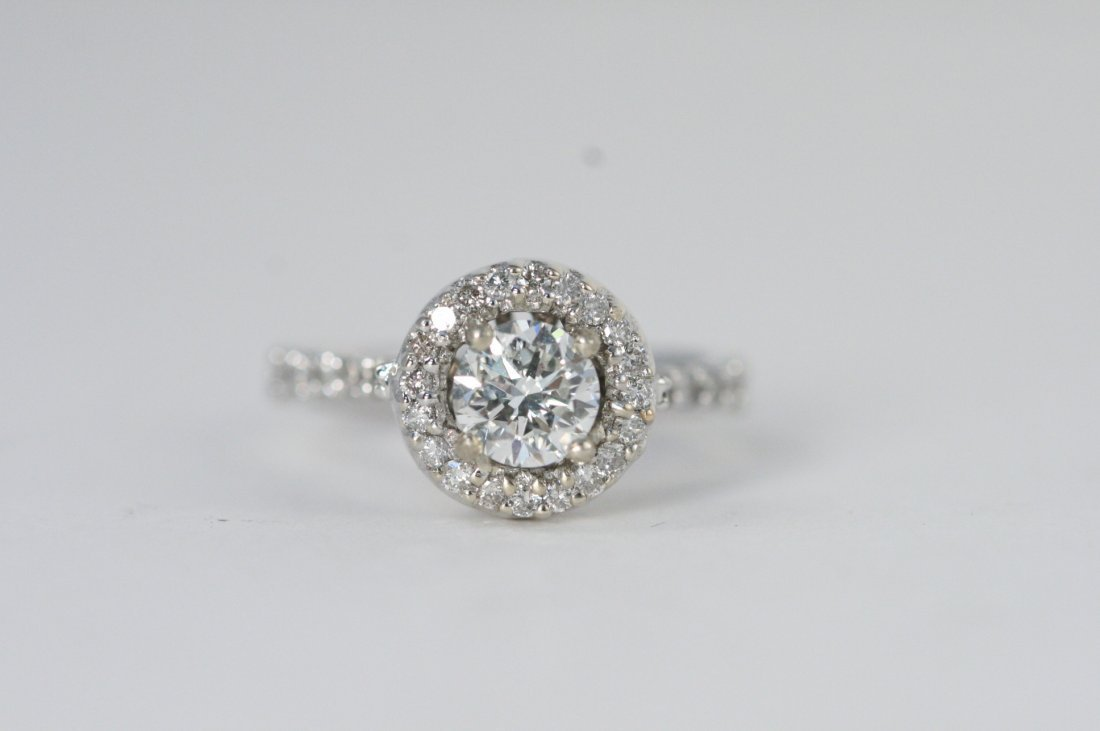 Stunning Diamond 1.30 ct & Solid Gold Ring