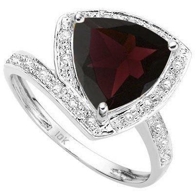Genuine Garnet 3.60 carats & Diamond Ring