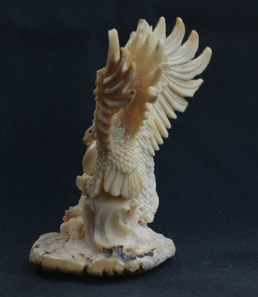 Hand carved mamma Eagle & baby Eagle Carving - 3