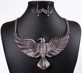 Stunning Silver Eagle Necklace Set